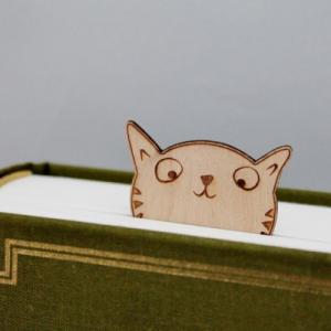 Marcalibros Gato